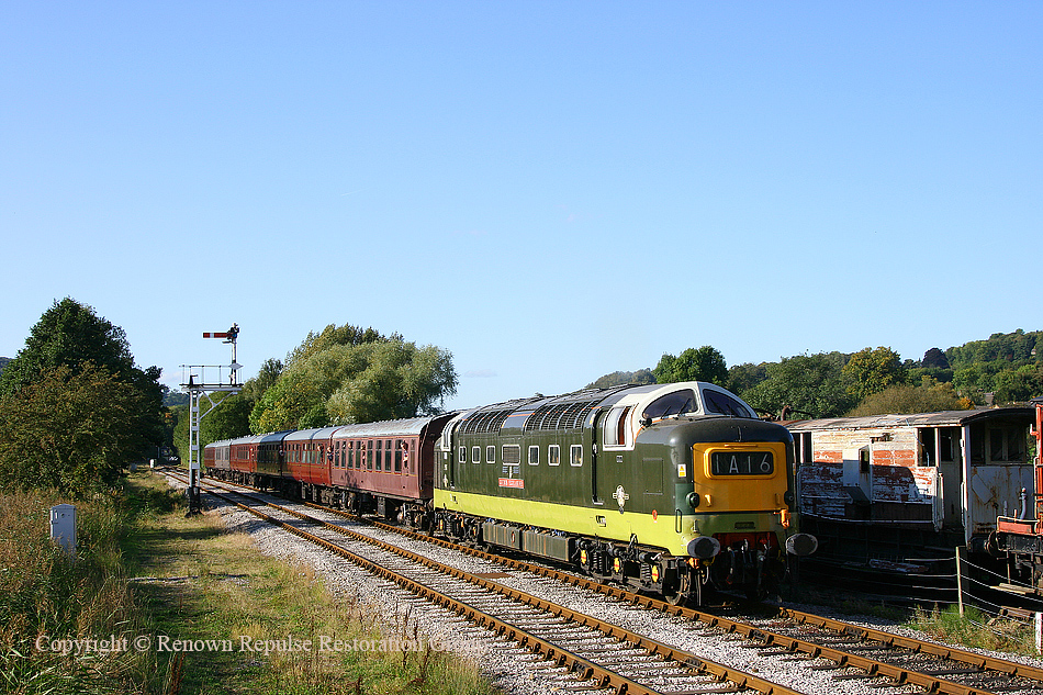 D9016 approaches Darley Dale