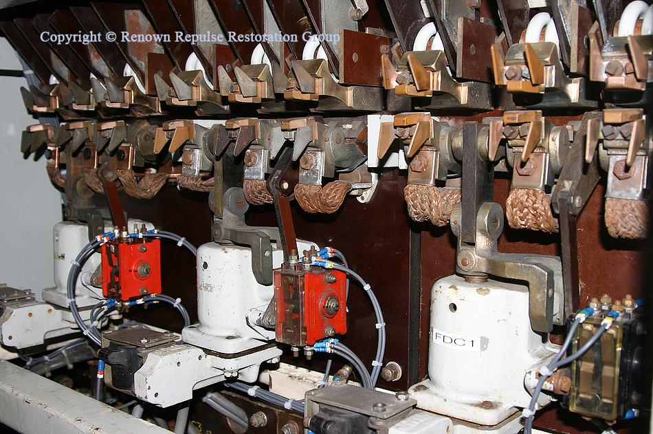 Field divert contactors and tips