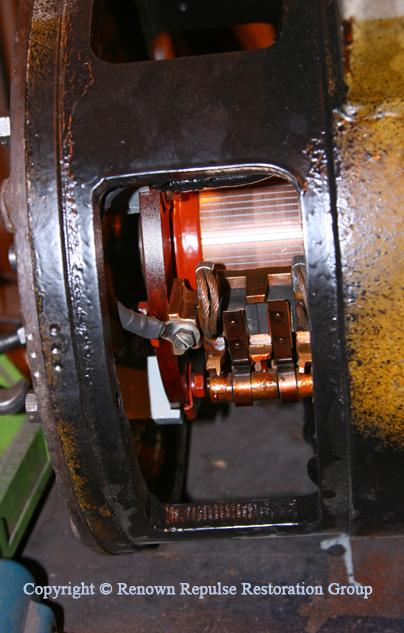 Traction motor blower brush gear