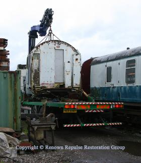 50037 cab unloading at Rowsley