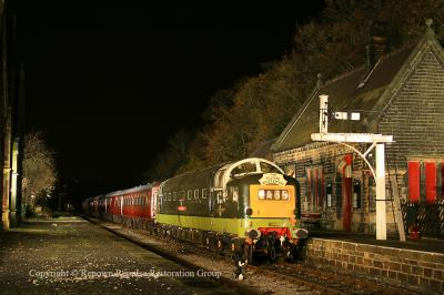 D9016 at Darley Dale during the EMRPS night shoot