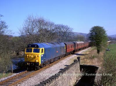 50015 at Edenfield on the ELR