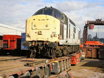 37887 being unloaded