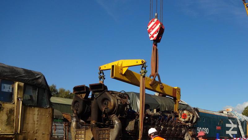 50030 Power Unit Lift, Peak Rail, Rowsley 290920 (100)