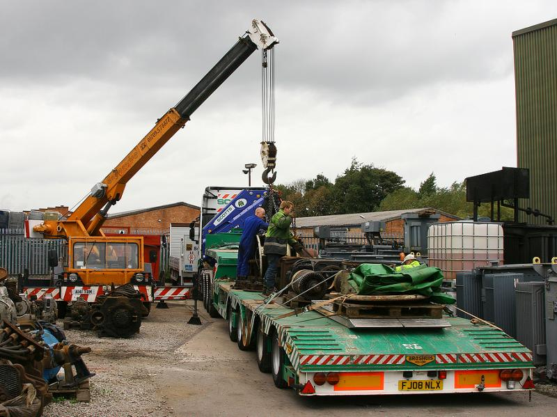 ETH/aux gen set for 50030 being unloaded  at Bowers